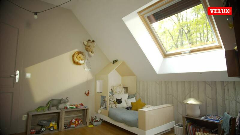 velux gfl 2 dimension perfect genuine velux roller blinds made to match your velux roof window. Black Bedroom Furniture Sets. Home Design Ideas